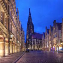 Prinzipalmarkt mit Lambertikirche in Münster bei Nacht by Münster Foto