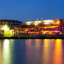 Alter Hafen in Münster mit Strandbar Coconut Beach und Heaven bei Nacht in der blauen Stunde by Münster Foto