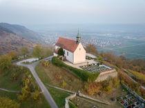 Die Wurmlinger Kapelle im Herbstlicht von Christoph Hermann