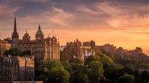 Edinburgh at dusk by Nuno Borges