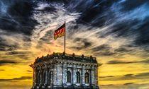 Berlin Bundestag mit Fahne von Benjamin Meier