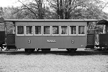 20-10-18-welshpool-and-llanfair-light-railway-carriages