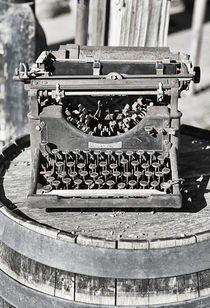 Old Typewriter von Elisabeth  Lucas