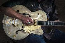 Guitar Man von Ian Lewis