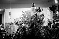 Flowery Dress von Sean Langton
