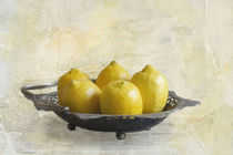 Fresh Lemons by Elisabeth  Lucas