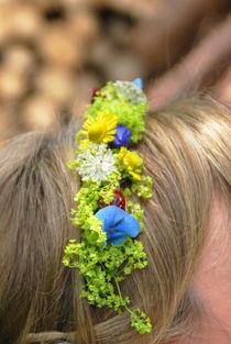 Blumenkranz im Haar von Daiana Hahn