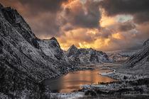 Autumn landscape, Vareid, Flakstad, Lofoten, Nordland, Norway. von Stein Liland