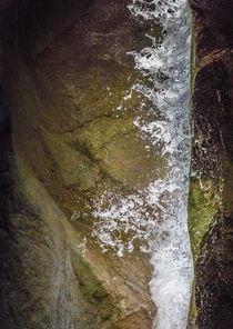 Wassersturz von Erik Mugira