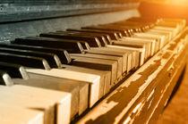 Old Piano von cinema4design