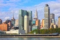 Skyline von Midtown Manhattan mit dem Chrysler Building von Rainer Grosskopf