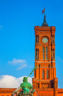 Rotes Rathaus und Neptunbrunnen von Bea Böhm
