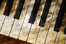 Piano Keys with Notes  von Jutta C. Beyer