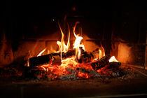 Cosy fire place at home von Gaukhar Yerk