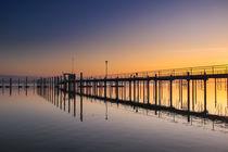 Sonnenaufgang beim Schiffsanleger Iznang - Halbinsel Höri - Bodensee von Christine Horn