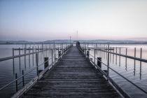 Bootssteg Jachthafen Iznang im Morgengrauen - Halbinsel Höri von Christine Horn