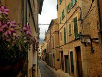 Altstadt des beliebten Ortes Sóller auf Mallorca von wirmallorca