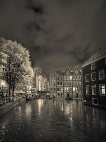 Amsterdam at night by Frank Meitzke