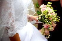 Brautkleid mit Strauss von Jürgen Schwarz