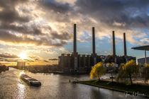 Mittellandkanal in Wolfsburg mit Kraftwerk von Jens L. Heinrich