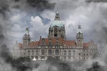 Neues Rathaus von Hannover in den Wolken by kattobello