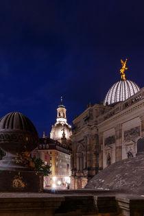 Kuppel der Frauenkirche in Dresden bei Nacht by Stephan Hockenmaier