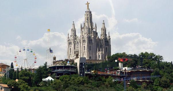 Barcelona18-stadtblick-im-sommer