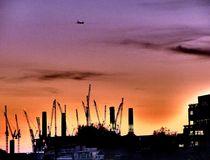 Boomtown London by night by Caro Rhombus van Ruit
