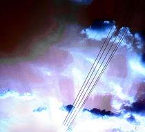 Wolken und Stromleitung by Kiki de Kock
