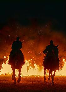 Reiter mit Feuer im Hintergrund by Christian Mueller