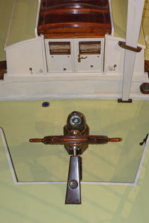Steering wheel on a classic motor boat von Intensivelight Panorama-Edition
