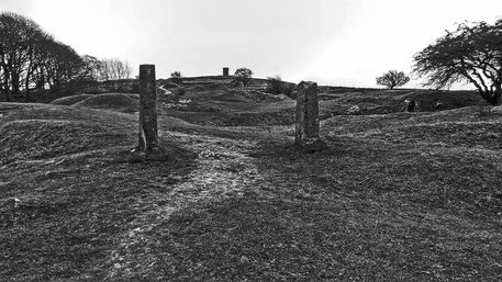 02-11-19-buxton-grin-low-solomons-temple-and-gateposts