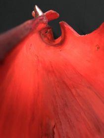 red Beauty - sculpture von Valentina Sullivan