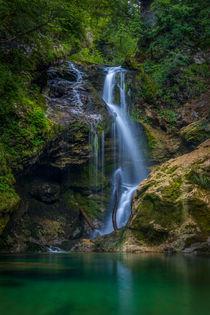 Waterfall in green von Bor Rojnik