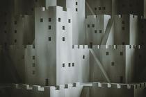 Abstrakte Fantasy-Stadt mit digitalem Filmkorn von dresdner