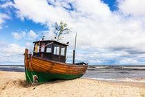 Ein Fischerboot in Ahlbeck auf der Insel Usedom von Rico Ködder