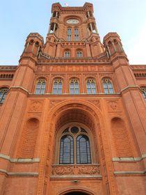 Eingangsportal Rotes Rathaus von alsterimages