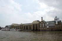 Butlers Wharf from the River Thames London von GEORGE ELLIS