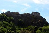 Edinburgh Castle view from princes street Edinburgh Scotland von GEORGE ELLIS