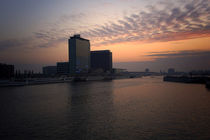 Amsterdam Harbour At The End Of The Day von GEORGE ELLIS