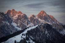 Mountains of Wilder Kaiser at Fieberbrunn during sunset in winter with snow, Tyrol Austria von Bastian Linder