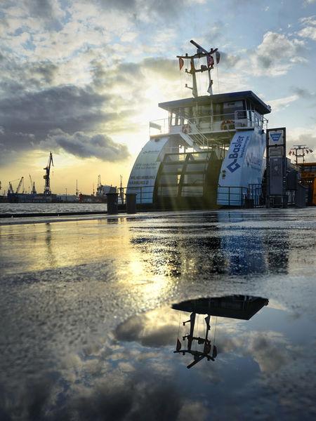 Artflakes-harbour-puddles-2