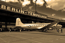 Troop Carrier Sepia von Christian Behring