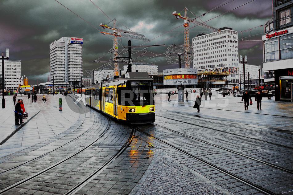 Straßenbahn Auf Dem Alex Fotografie Als Poster Und Kunstdruck Von
