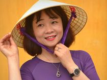 Smiling Vietnamese Woman with Asian Conical Hat (04) von Matt Hahnewald