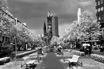 Tauentzienstraße mit Gedächtniskirche by Christian Behring