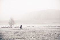 Joggingfreuden in Winterlandschaft by Thomas Schaefer