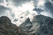 Berge in den Wolken von mindscapephotos