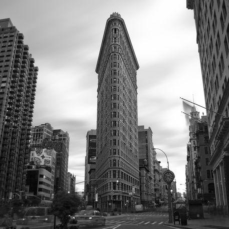 20100428-nyc-flatiron-building-2-284
