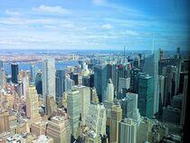 New York City mit Blick auf Manhattan  von Mellieha Zacharias